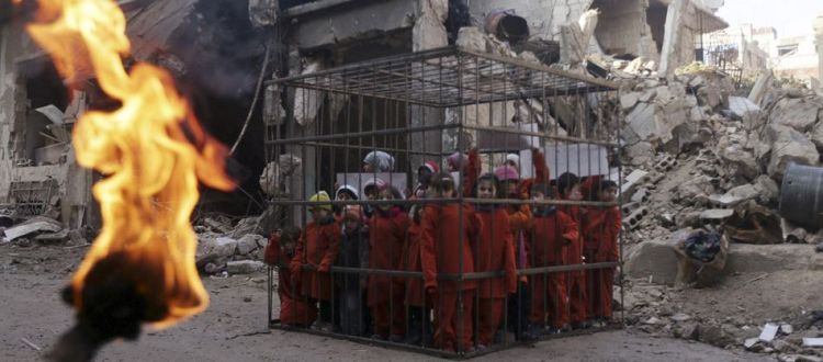 isis-children-in-cage